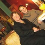Die Schauspielerin Ursula Werner (Wolke 9) zusammen mit Silke Roesler.